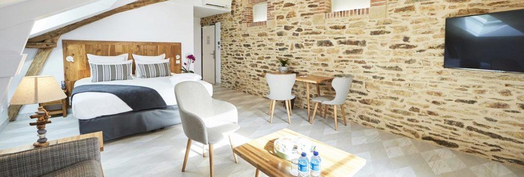 bretagne-morbihan-hotel-charme-manoir-kerbot-chambre